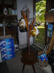 vintage retro 2 light lamp and table London Ontario image 5