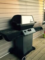 BBQ - free for pick up - Chestermere