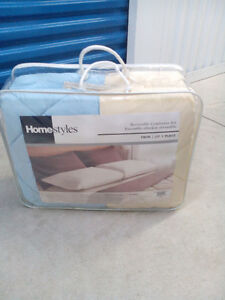 HomeStyle Twin Bed Set