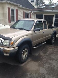 2004 Tacoma 4x4 (American) great shape