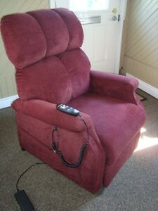 Automatic lift recliner