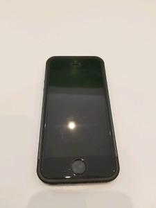 Like new IPhone SE 64GB UNLOCKED