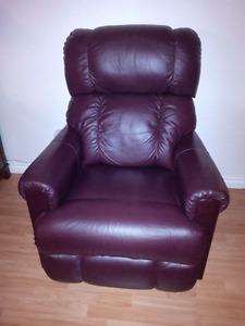 Leather Pinnacle Lazy boy recliners (2)