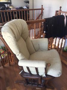 Chaise berçante Dutailier - 225$