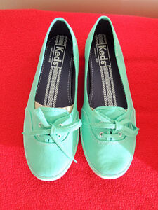 Women's Keds Slip-Ons (Size 10) New and Unworn