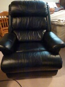 Black leather Lazy Boy recliner