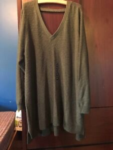 Torrid Women's size 5x olive sweater, new with tag