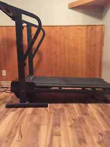 Weslo Cadence DX10 Treadmill Peterborough Peterborough Area image 4