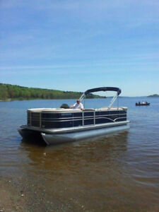 PONTOON BOAT 2014
