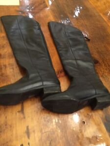 Leather black knee high boots size 11 Kitchener / Waterloo Kitchener Area image 1