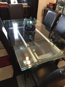 Glass expanding table
