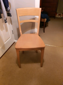 Set of 4 dining room wooden chairs