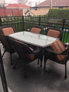 set de patio,mobilier de jardin (6 chaises + coussins)quasi neuf