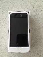 iPhone 5s space gray/black with OtterBox case Rogers