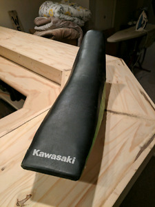 Seat off 2001 kx250 $50