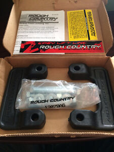 Rough Country 07-14 GM 1500 Pickup Front Leveling Kit. St. John's Newfoundland image 1