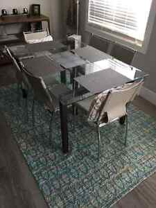 """""""MUST GO TODAY"""" BEAUTIFUL GLASS TOP DINING TABLE AND SIX CHAIRS"""