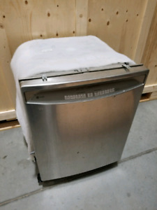 Used Dishwasher in Good Condition for Sale