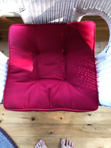 Set of 4 Chair Seat Cushions Indoor Red Like New