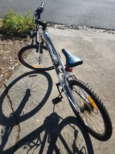Giant XTC Jnr Mountain Bike (URGENT SALE)