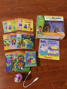 Leapfrog LeapReader Junior with books (excellent condition)