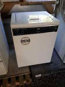NICE INGLIS COMPACT WASHING MACHINE Windsor Region Ontario image 1