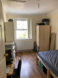 Large single room 600£ no bills