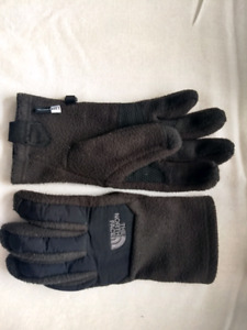 Like new The North Face gloves (size M/S)