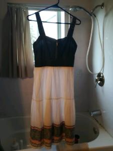 Superbe robe de chez San Francisco jamais porté vraimen pas cher