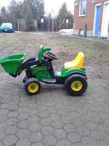 6 volt john deere utility tractor