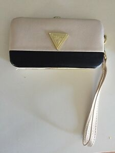 Guess iPhone Wallet Case
