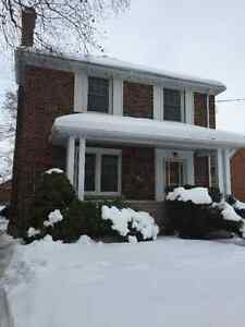 *FEB 1* 3 Bdm downtown home, just renovated, clean and modern