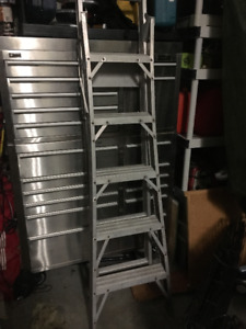 5 Foot Step/10  Foot Extension Ladder