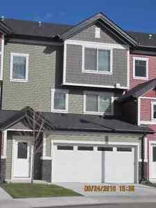 Beautiful Townhouse NW Calgary with walkout and nice view