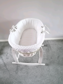 Clair de Lune Deluxe White Wicker Moses Basket and Rocking Stand