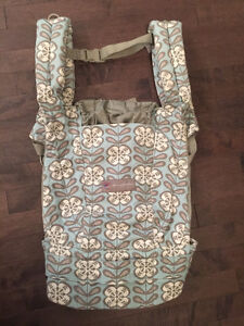 EUC Ergobaby Petunia Pickle Bottom organic cotton carrier