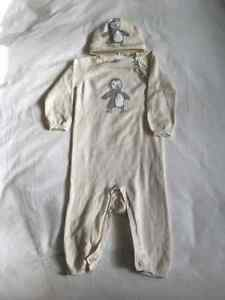 Baby Gap Knit Penguin One Piece & matching hat 6-12 months