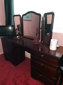 Dresser table for bedroom