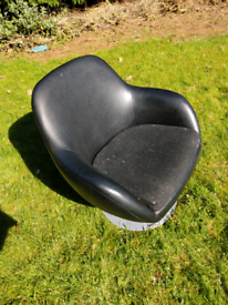 Retro swivel chair. Project. Needs attention.