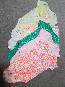 Baby girl - Carter's size 3. $ 6 (all)