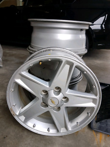 235/60/R17 Chevrolet Alloy Rims only