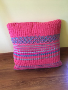Plush knitted cushion