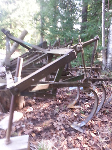 8 ft 3 pt hitch cultivator