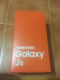 Samsung Galaxy J5 brand new sealed box !! Unlocked 4G ready black and Gold