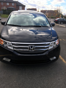 Low mileage, perfect condition Honda Odyssey_Touring model 2011