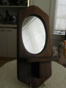 CLASSY OLD VINTAGE SOLID WOOD WALL-HANGING MIRRORED SHELF