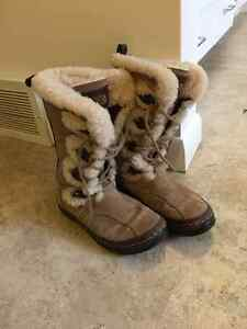 North Face Winter Boots Size 6 (women's). Excellent Condition