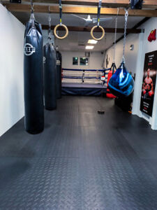 Come down to Amazing Fitness and get some FREE boxing classes!