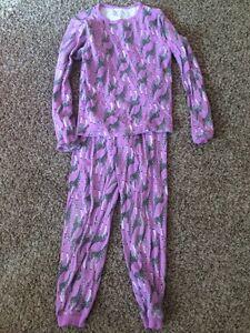 Giraffe pyjamas