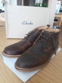 Mens size 10 Clarks men's Foxwell boots men
